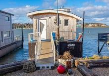 POEM 25 House Boat